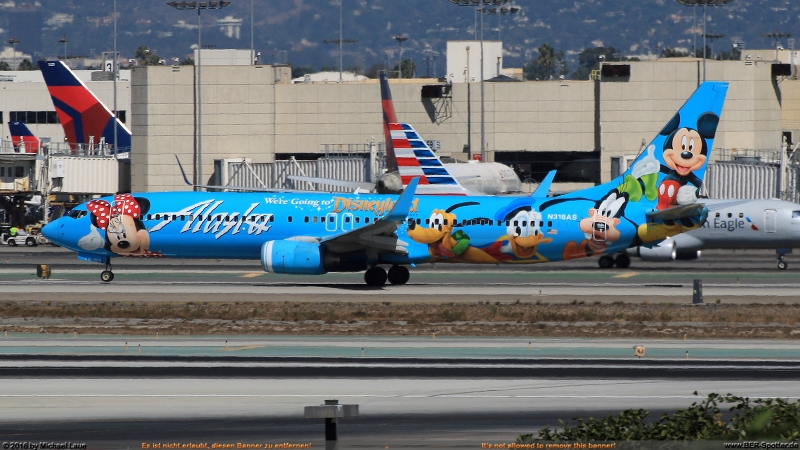 N318AS Alaska Boeing 737 'Spirit of Disneyland'